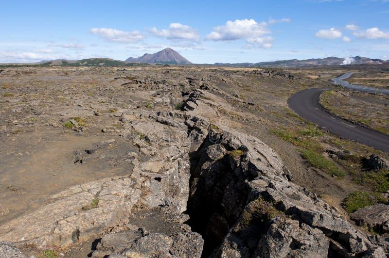 Paisaje del volcán, grieta en la tierra, Islandia imágenes de archivo libres de regalías