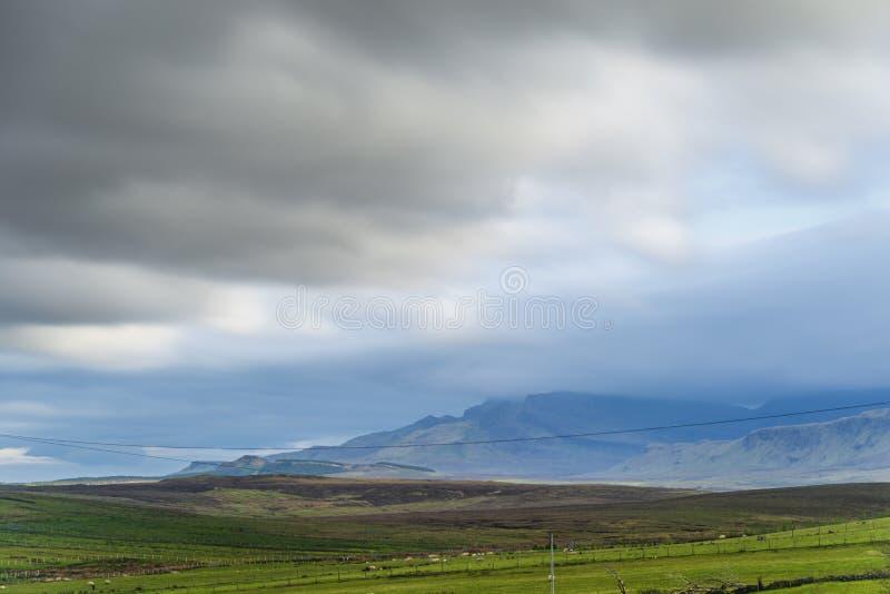 Paisaje dentro de la isla del skye, Escocia foto de archivo libre de regalías