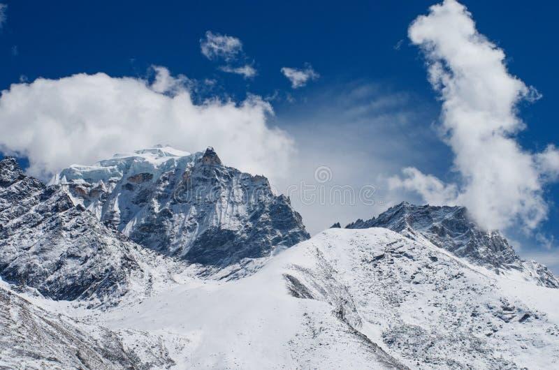 Paisaje en el campo bajo del monte Everest, Himalaya, Nepal de la montaña fotos de archivo