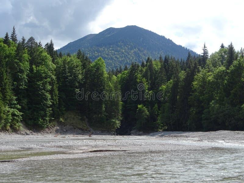 Paisaje en el rrach cerca de la caída del valle, Baviera del ¼ del río DÃ foto de archivo libre de regalías