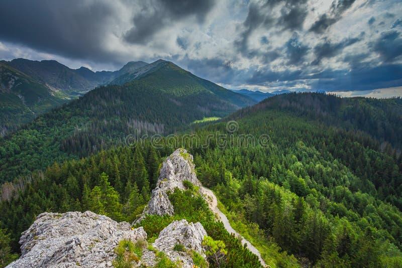 Paisaje en monta?as europeas, alto Tatras, Malopolskie Polonia imagenes de archivo