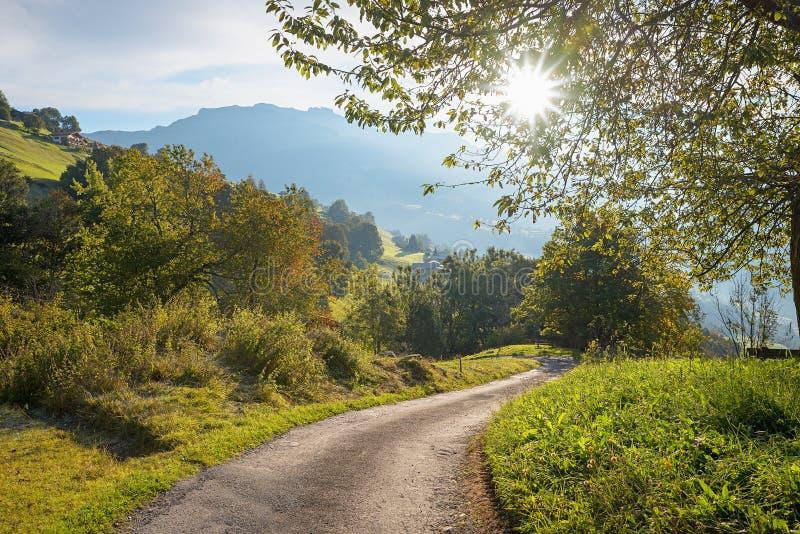 Paisaje en Suiza imagenes de archivo