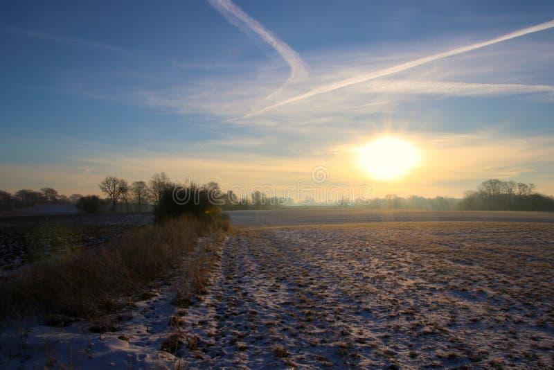 Paisaje encantador en la salida del sol tan preciosa imagen de archivo libre de regalías