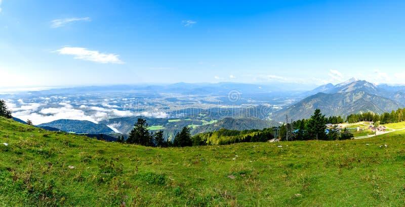 Paisaje escénico de la montaña de Eslovenia tirado en Krvavec imagen de archivo libre de regalías