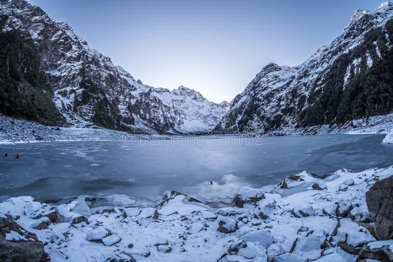 Paisaje escénico del hielo y del glaciar en el lago mariano, Nueva Zelanda imágenes de archivo libres de regalías