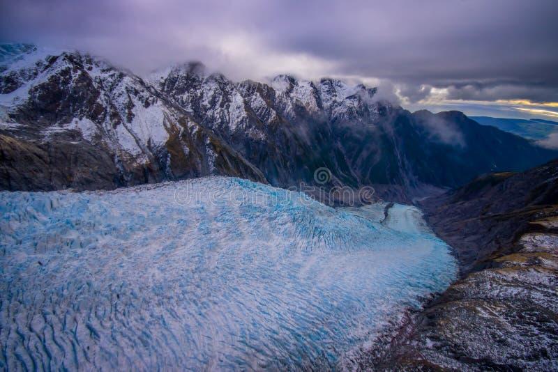 Paisaje escénico en Franz Josef Glacier Montañas meridionales, costa oeste, isla del sur, Nueva Zelanda imagenes de archivo