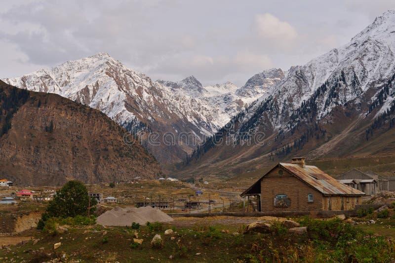 Paisaje escénico hermoso de la carretera de Karakorum imagenes de archivo