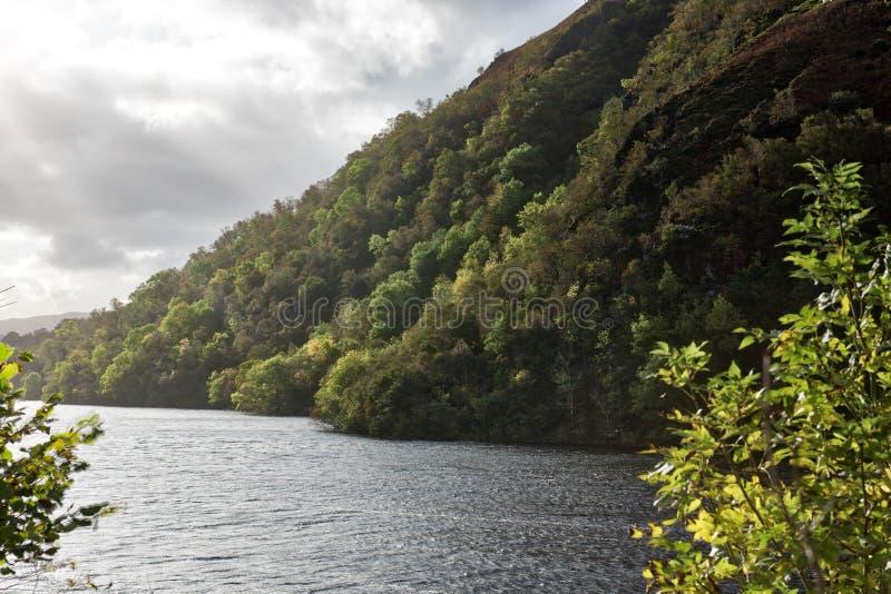 Paisaje escocés de las montañas, temor del lago fotografía de archivo libre de regalías