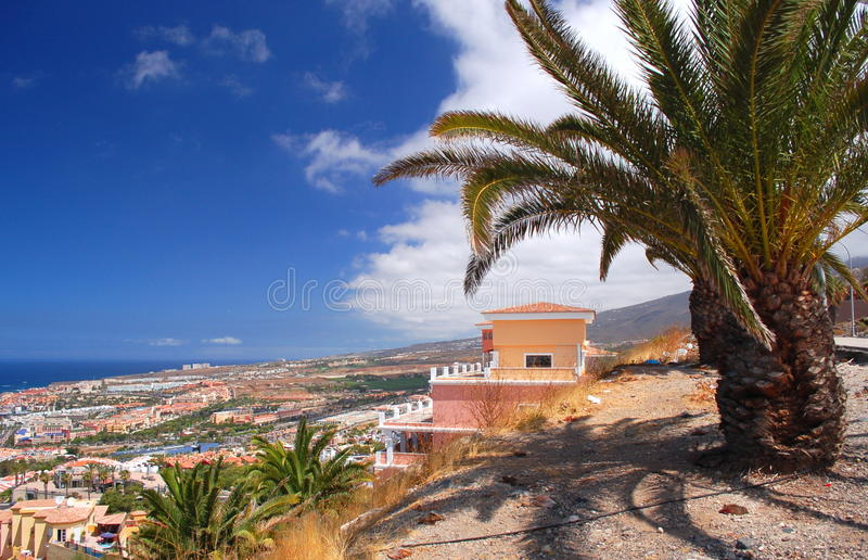 Paisaje excepcional pintoresco de los las hermosos Américas de del playa del centro turístico en Tenerife, España fotografía de archivo libre de regalías
