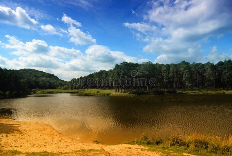 Download Paisaje hermoso foto de archivo. Imagen de hermoso, nubes - 1286108
