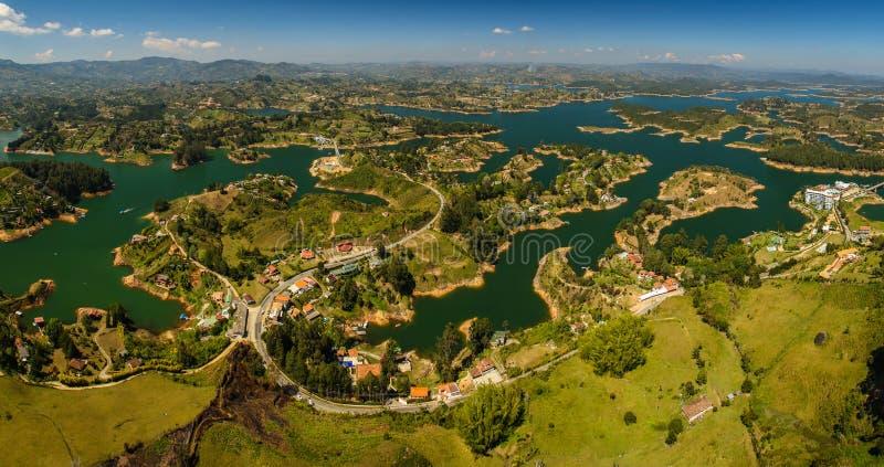 Paisaje hermoso alrededor de la ciudad de Guatape, Colombia imágenes de archivo libres de regalías