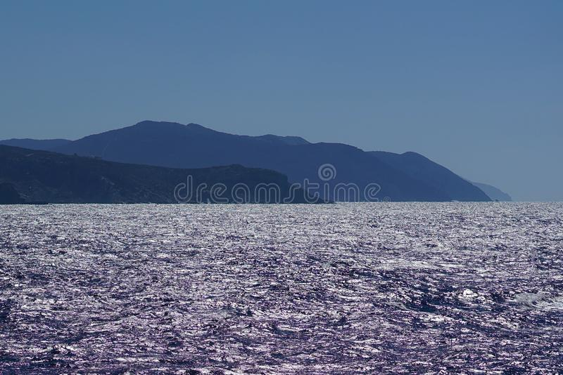 Paisaje hermoso cerca de la isla de Paros fotografía de archivo