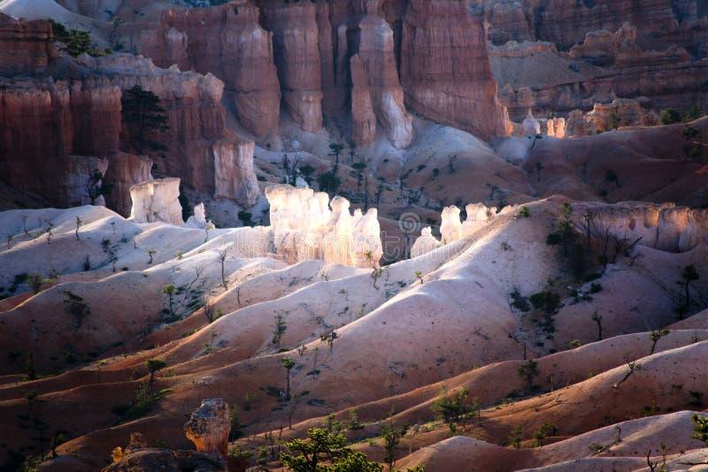 Paisaje hermoso con las malas sombras en Bryce Canyon National Park fotografía de archivo