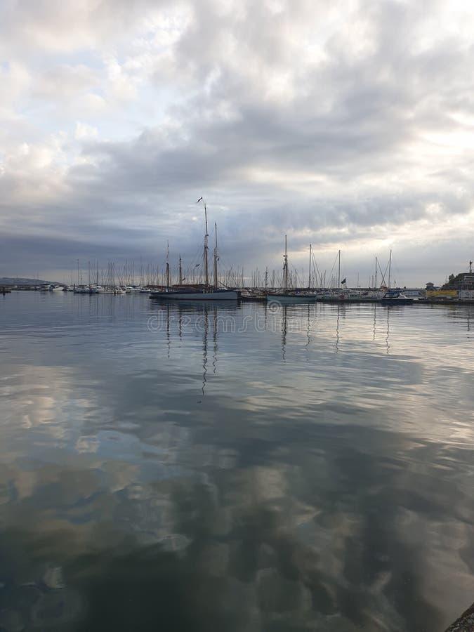 Paisaje hermoso de la buena mañana del océano del mar de la salida del sol foto de archivo libre de regalías