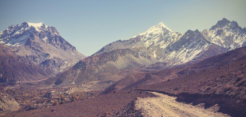 Paisaje hermoso de la montaña del vintage foto de archivo libre de regalías