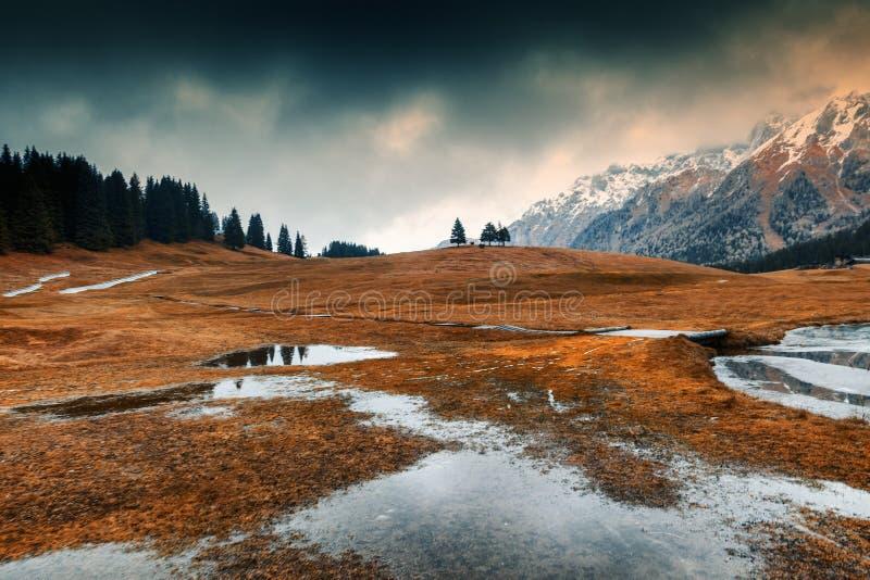 Paisaje hermoso de la montaña, montañas, dolomías, Italia, aturdiendo a fotografía de archivo libre de regalías