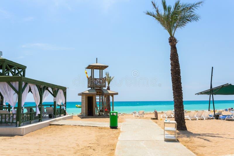 Paisaje hermoso de la playa en el turco Riviera cerca del lado imágenes de archivo libres de regalías