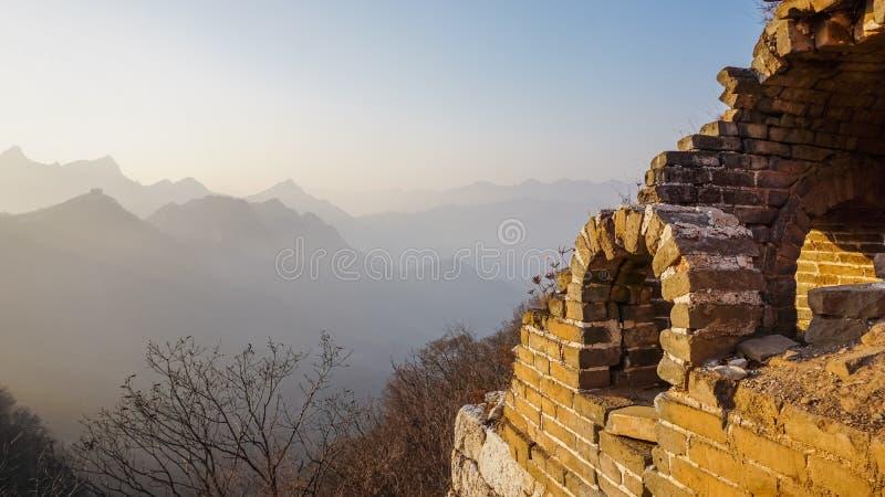 Paisaje hermoso de la vieja pieza de la Gran Muralla de China imagen de archivo