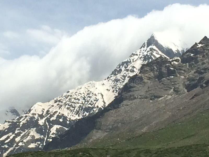 Paisaje hermoso de las montañas fotos de archivo libres de regalías