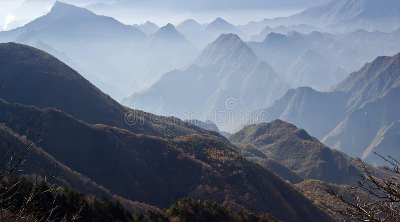 Paisaje hermoso de las montañas de Shennongjia fotografía de archivo libre de regalías