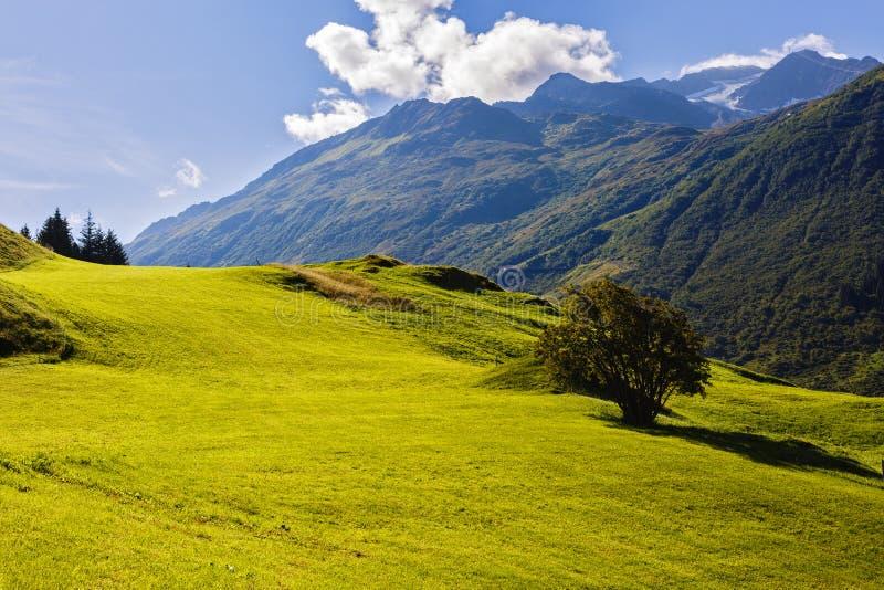 Paisaje hermoso de las montañas en las montañas fotografía de archivo