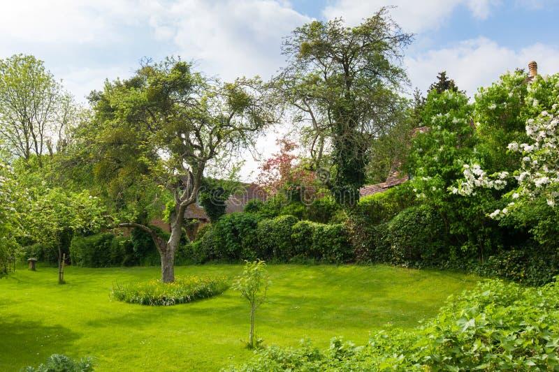 Paisaje hermoso de un jardín imagen de archivo