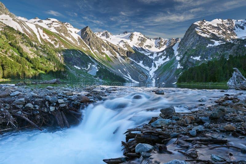 Paisaje hermoso del verano, montañas Rusia de Altai fotos de archivo libres de regalías