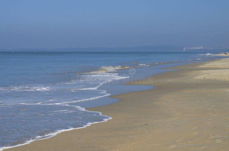 Paisaje hermoso el mar azul árabe en Goa la India fotografía de archivo
