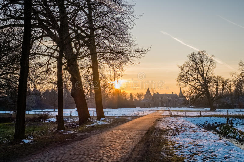 Paisaje holandés típico del invierno en enero cerca de Delden Twente, Overijssel fotografía de archivo