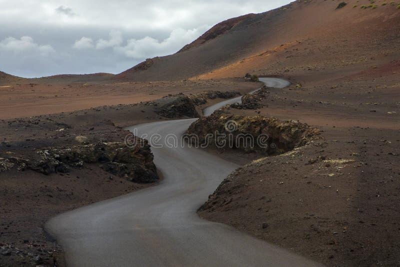 Paisaje lunar volcánico del parque nacional de Timanfaya fotos de archivo