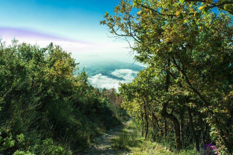 Paisaje maravilloso de Furlo, Marche Italia fotos de archivo