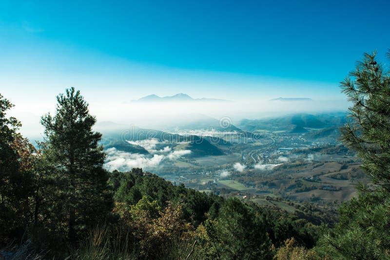 Paisaje maravilloso de Furlo, Marche Italia fotos de archivo libres de regalías