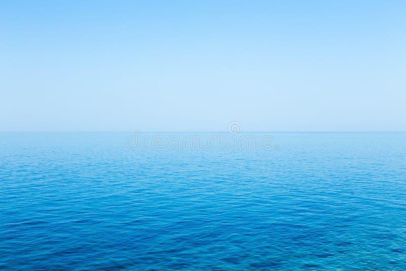 Paisaje marino azul hermoso sin las nubes foto de archivo libre de regalías