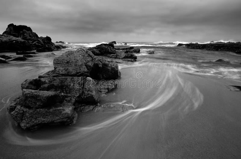 Paisaje marino blanco y negro imagen de archivo libre de regalías