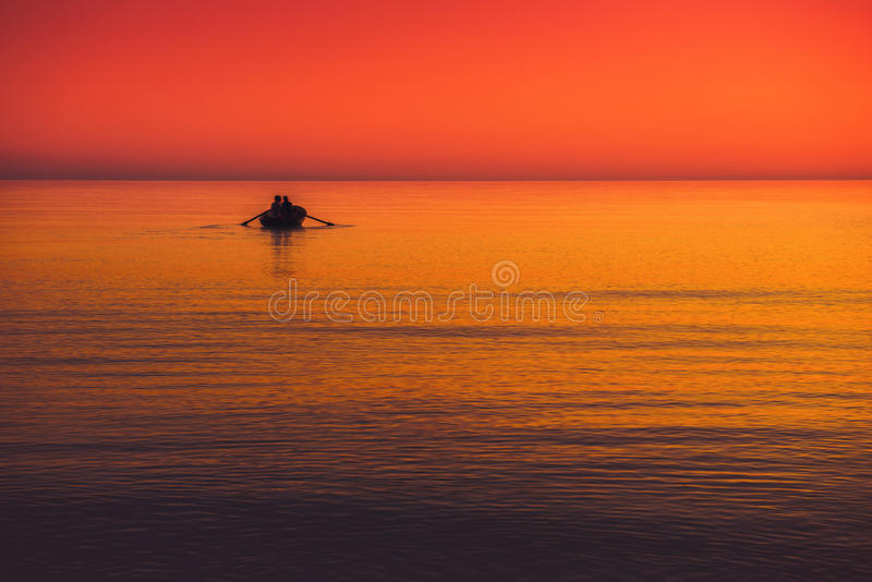 Paisaje marino con el barco fotografía de archivo libre de regalías