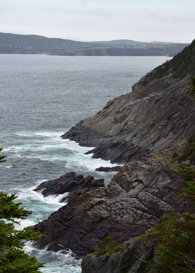 Paisaje marino de la ensenada de la iglesia, costa NL Canadá de Killick fotos de archivo
