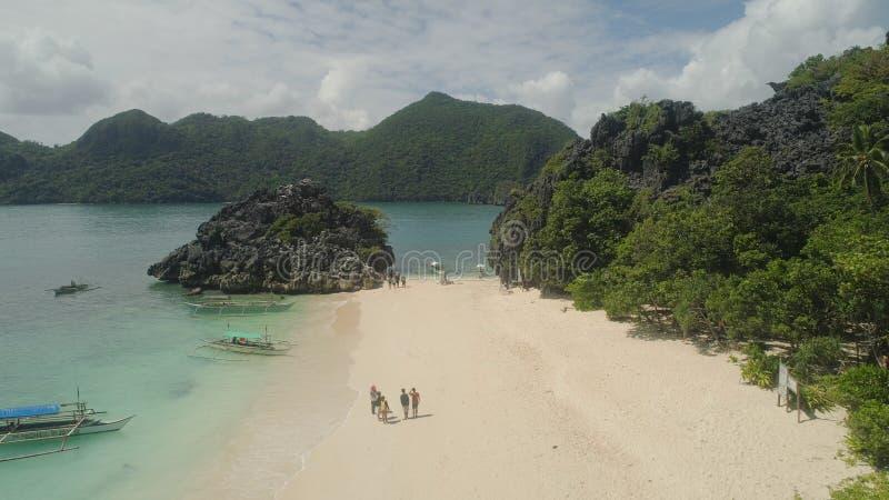 Paisaje marino de las islas de Caramoan, Camarines Sur, Filipinas fotos de archivo libres de regalías
