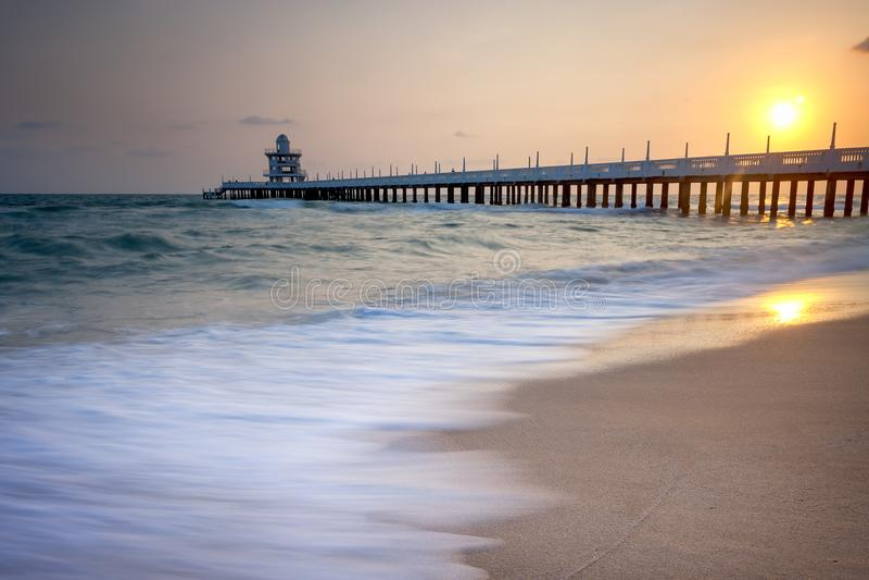 Paisaje marino durante puesta del sol Paisaje marino natural hermoso imagenes de archivo