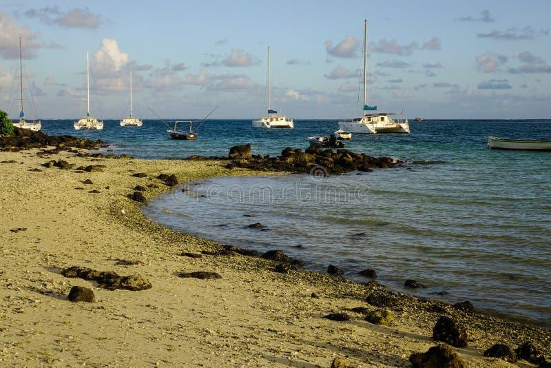 Paisaje marino en Baie magnífico, Mauricio fotos de archivo
