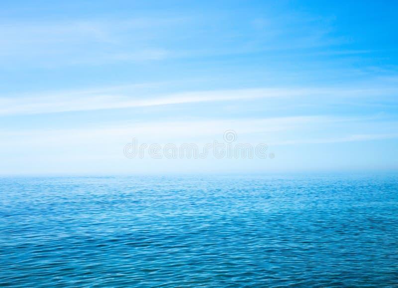 Paisaje marino hermoso en el Océano Atlántico fotos de archivo