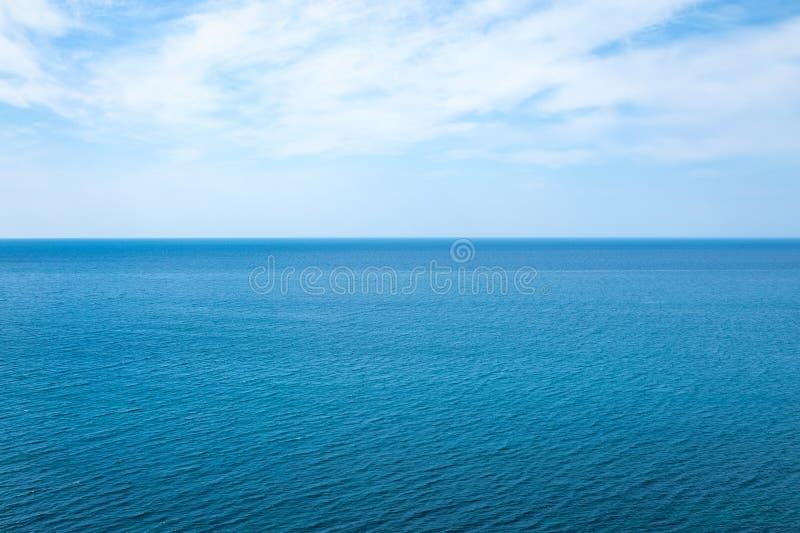 Paisaje marino hermoso en el Océano Atlántico imagen de archivo