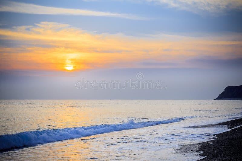 Paisaje marino pacífico del mar del sur de China de la salida del sol de la madrugada fotografía de archivo libre de regalías