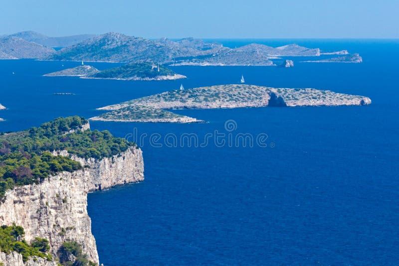 Paisaje mediterráneo - islas de Kornati fotos de archivo
