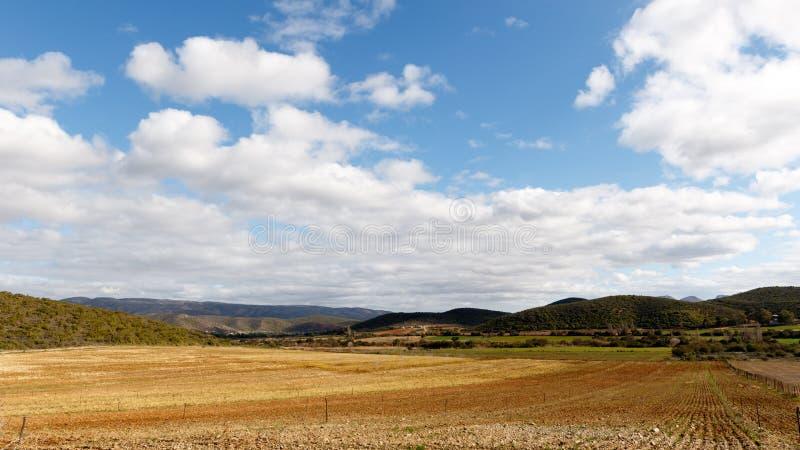 Paisaje nublado Plaas medio Suráfrica imagen de archivo