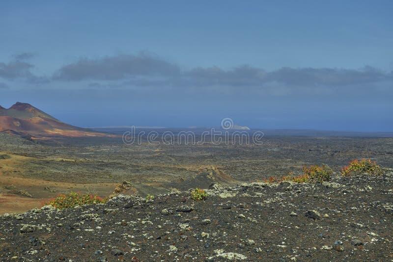 Paisaje oVolcanic del paisaje esc?nico en el parque nacional de Timanfaya en Lanzarote Islandn la isla de Lanzarote en el Oc?ano  fotografía de archivo