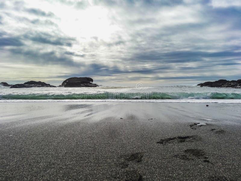 Paisaje panorámico hermoso de una playa en el Océano Pacífico fotografía de archivo libre de regalías