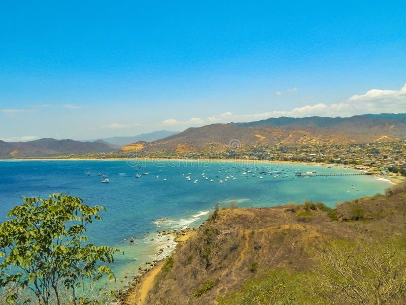 Paisaje Puerto López Ecuador de la visión aérea imagen de archivo libre de regalías