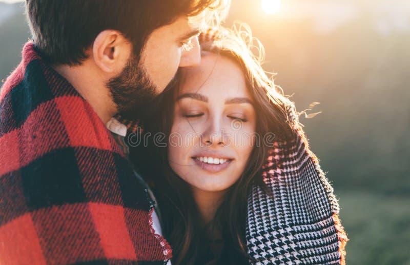 Paisaje romántico perfecto para lovestory Dos imagenes de archivo