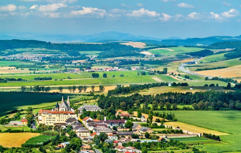 Paisaje rural de Eslovaquia en el castillo de Spis foto de archivo libre de regalías