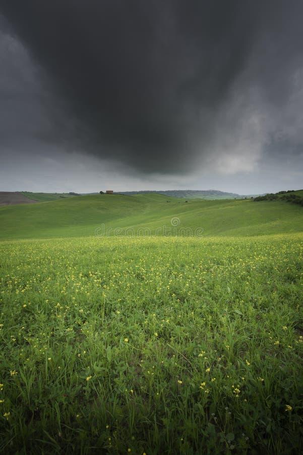 Paisaje rural de la puesta del sol de Toscana, Creta Senesi Granja del campo foto de archivo libre de regalías